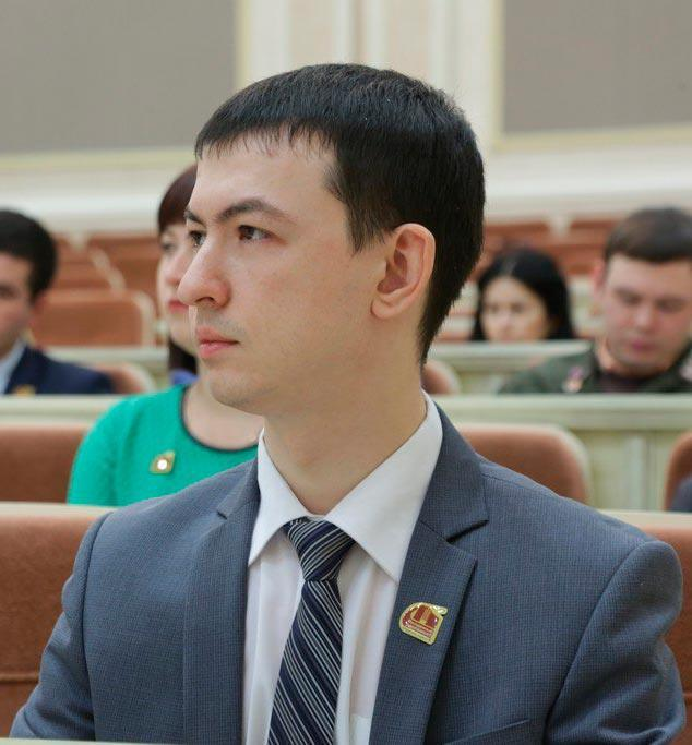 Альберт Садыков на сессии Молодежного парламента Удмуртии